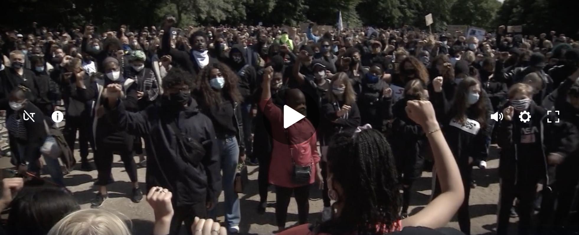 17-jährige organisiert Anti-Rassismus-Demo in Flensburg