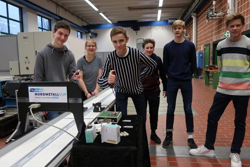 Hochschule verhilft Mini-Rennwagen zum Erfolg